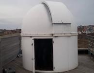 Werken aan de koepel van de sterrenwacht Sterrenjutter